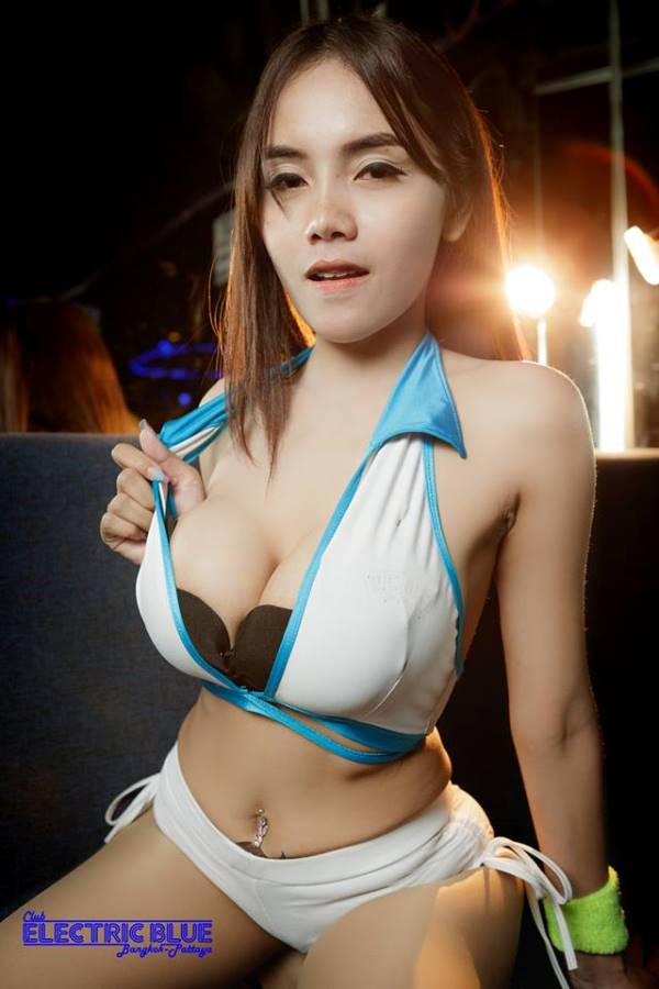 Club Electric Blue Pattaya - Dolly Of The Day