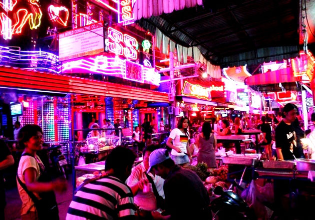 SoiCowboyNeonLightsBangkok2012 - A Brief History Of Soi Cowboy In Bangkok