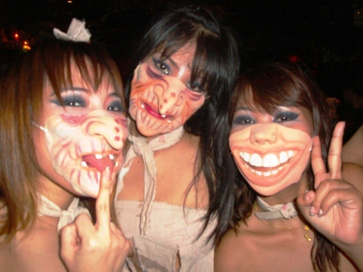 HALLOWEEN WEEKEND IN ANGELWITCH GO-GO BARS (NANA PLAZA, BANGKOK & SOI 15 WALKING STREET, PATTAYA)