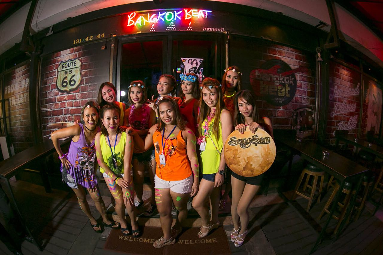 bangkok beat live music and hot girls