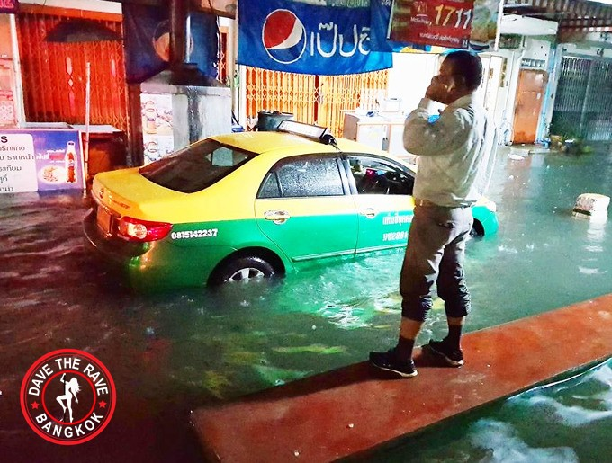 bangkok floods 2017 - Floods Start To Hit Thailand