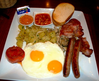 THE BIG BREAKFAST IN SOI 8 PUB BANGKOK