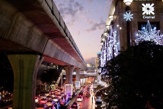 CHRISTMAS IN BANGKOK (PHOTO BY STICKMAN)