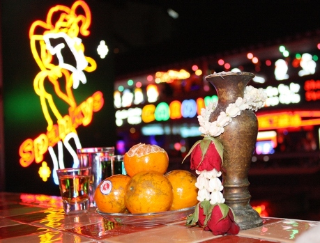 buddhists offering nana plaza 00012 - Thailand's Bars Closed This Friday
