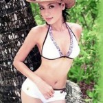 hot_thai_babe_in_white_bikini