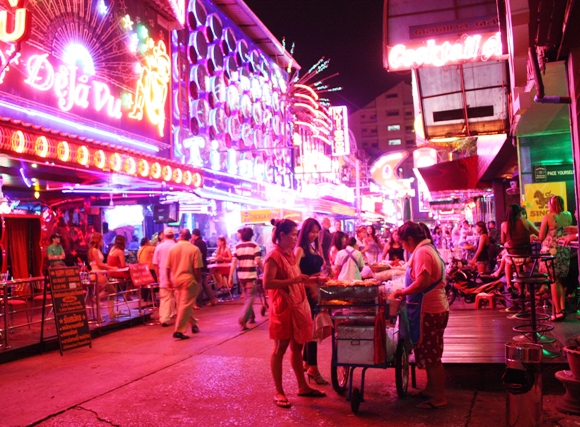 SOI COWBOY BANGKOK - 'LITTLE LAS VEGAS' (DAVE THE RAVE 2009)