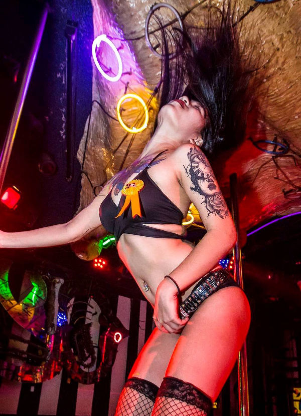 kiss gogo bar patpong - Bangkok Bars Reopen Friday
