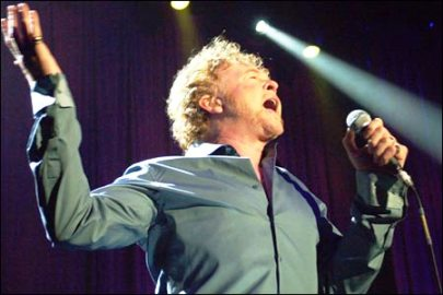 simply red live in bangkok1 - Simply Red Live In Bangkok