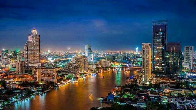 the big mango 1 - Thailand's Mourning Period Ends